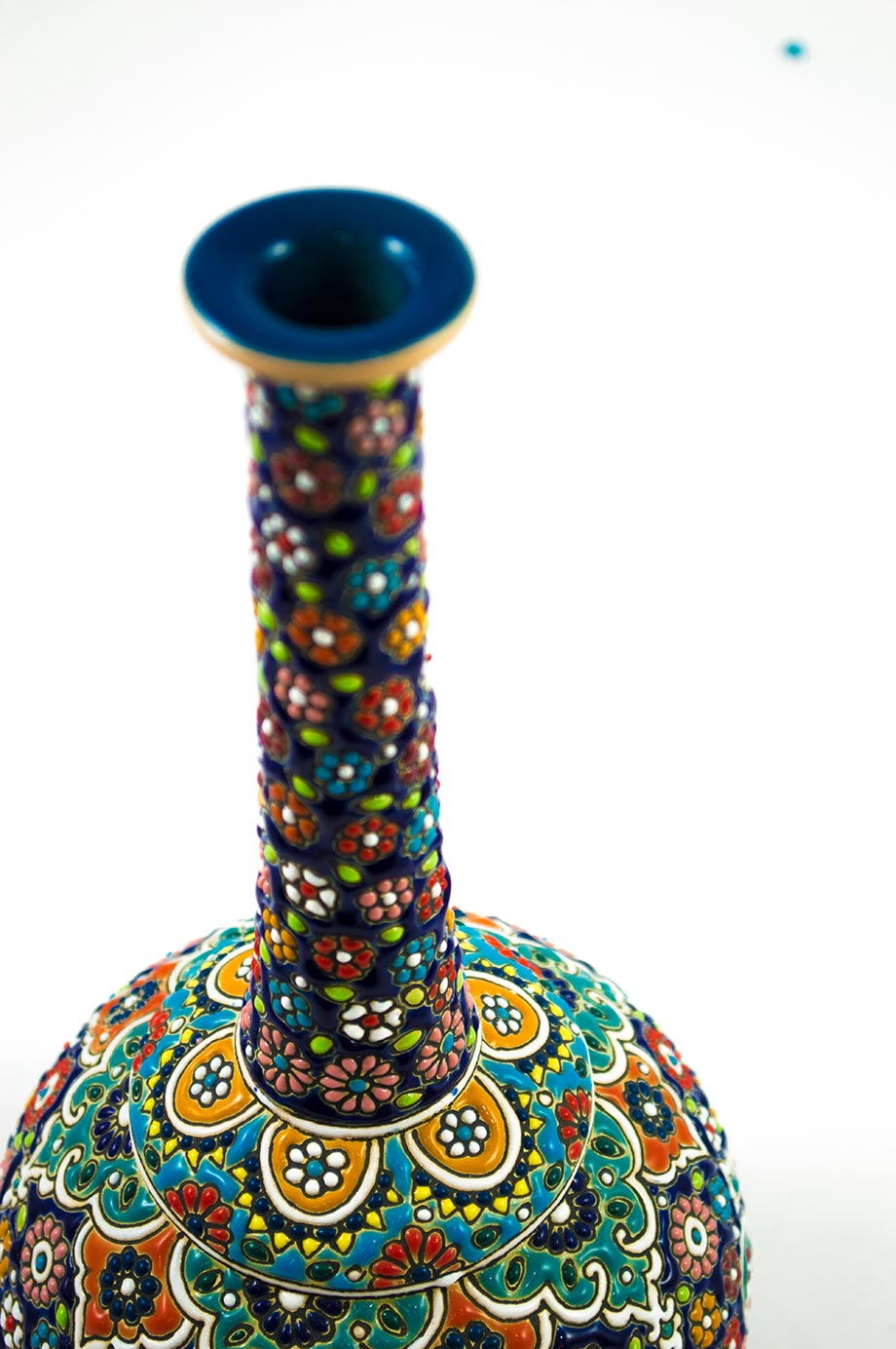 Vase à col long et étroit