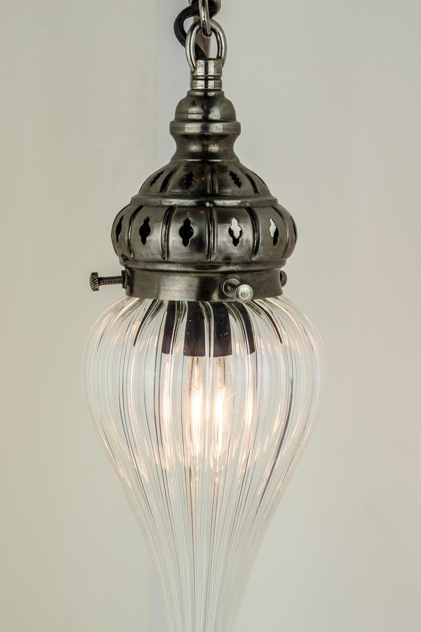 Lampe de table à col de cygne avec globe de pyrex soufflé à bout de métal