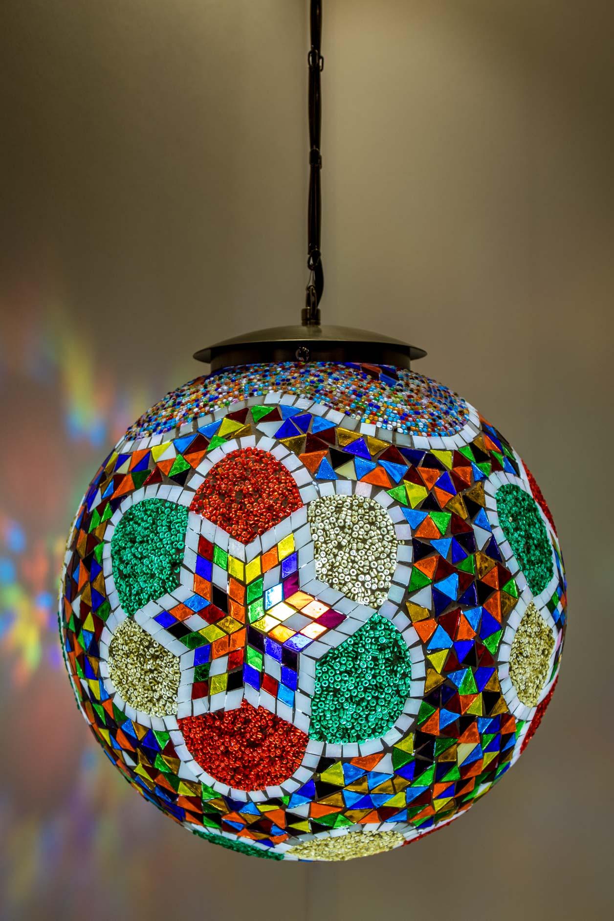Moyene lampe suspendue boule de mosaïque