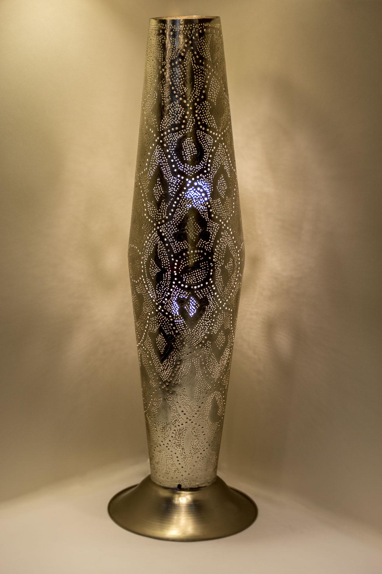 Moyen cylindre sur pied en filigrane