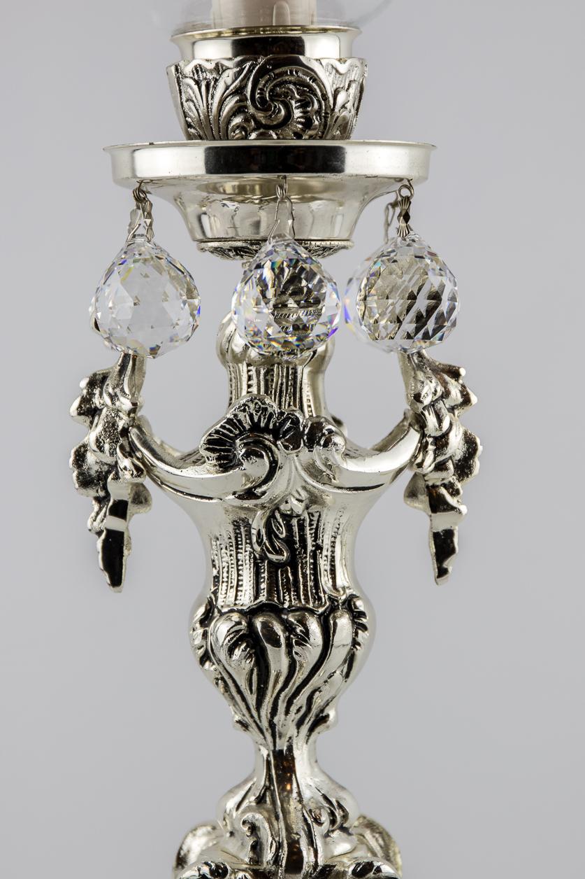 Lampe de table de style italien orné de 6 cristaux facettés