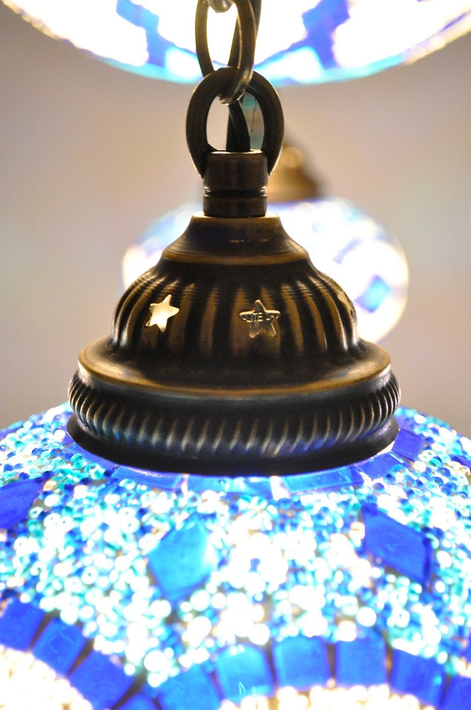 Lustre avec coupole à 4 globes