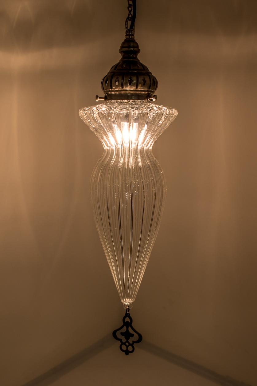 Lampe suspendue de pyrex soufflé de forme ogive