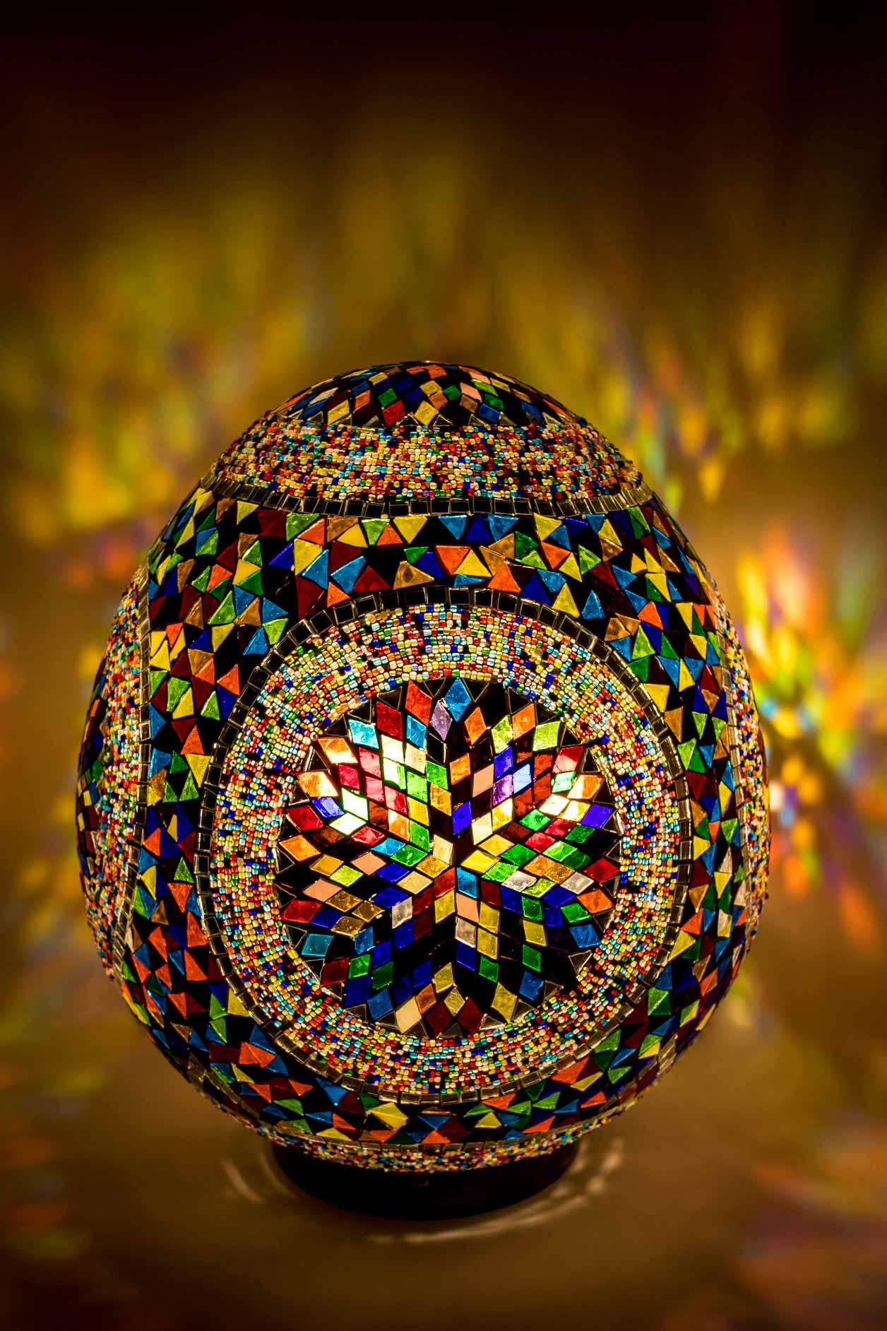 Lampe sur pied oeuf en mosaïque