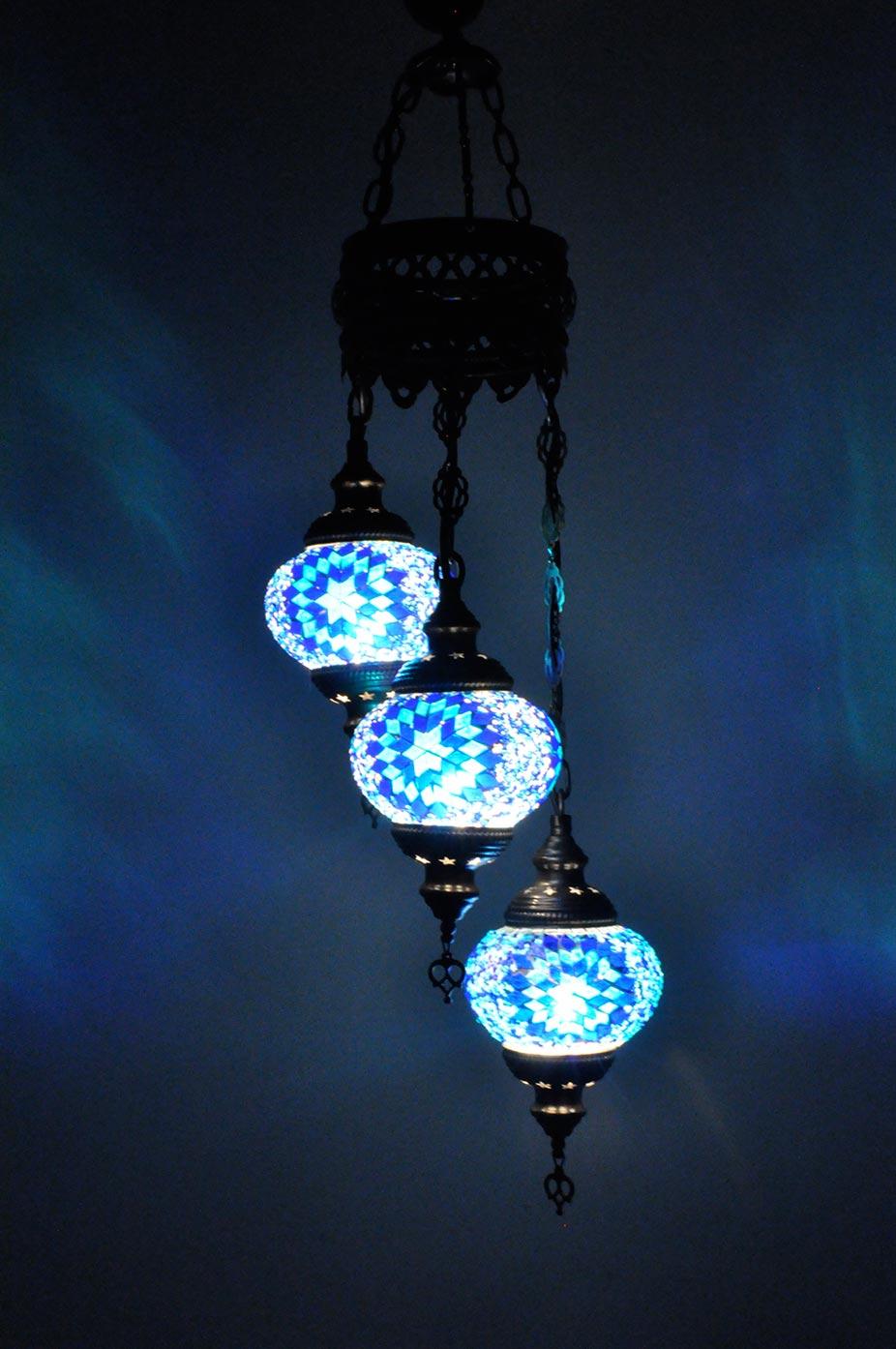 Lampe turque suspendue avec 3 globes mosaïque en spirale