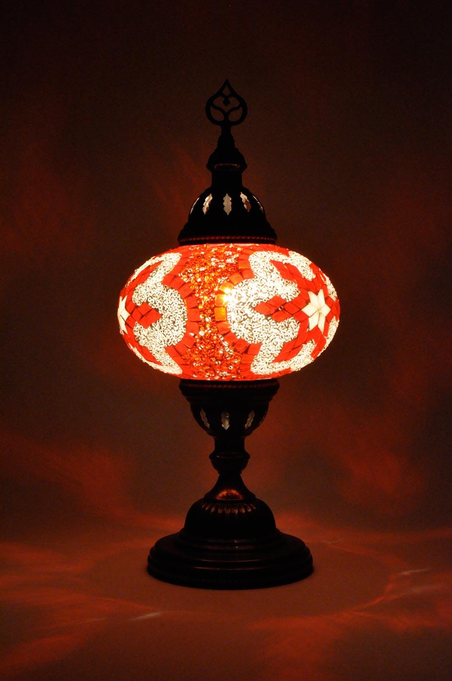 Lampe de table avec globe moyen de mosaïque