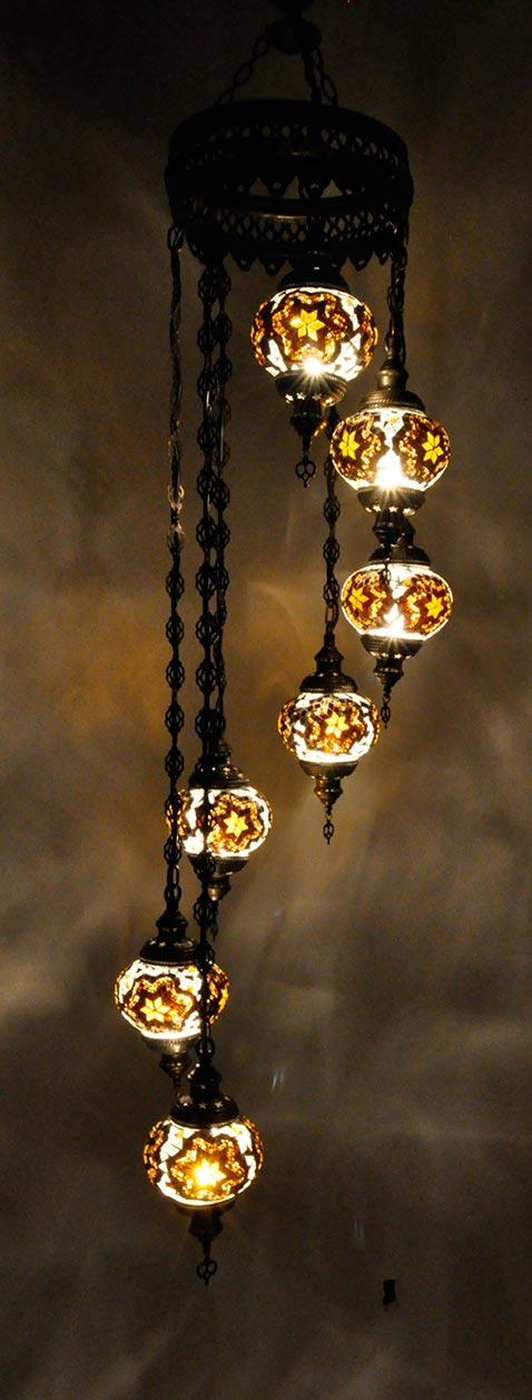 Lampe turque suspendue avec 7 globes mosaïque en spirale
