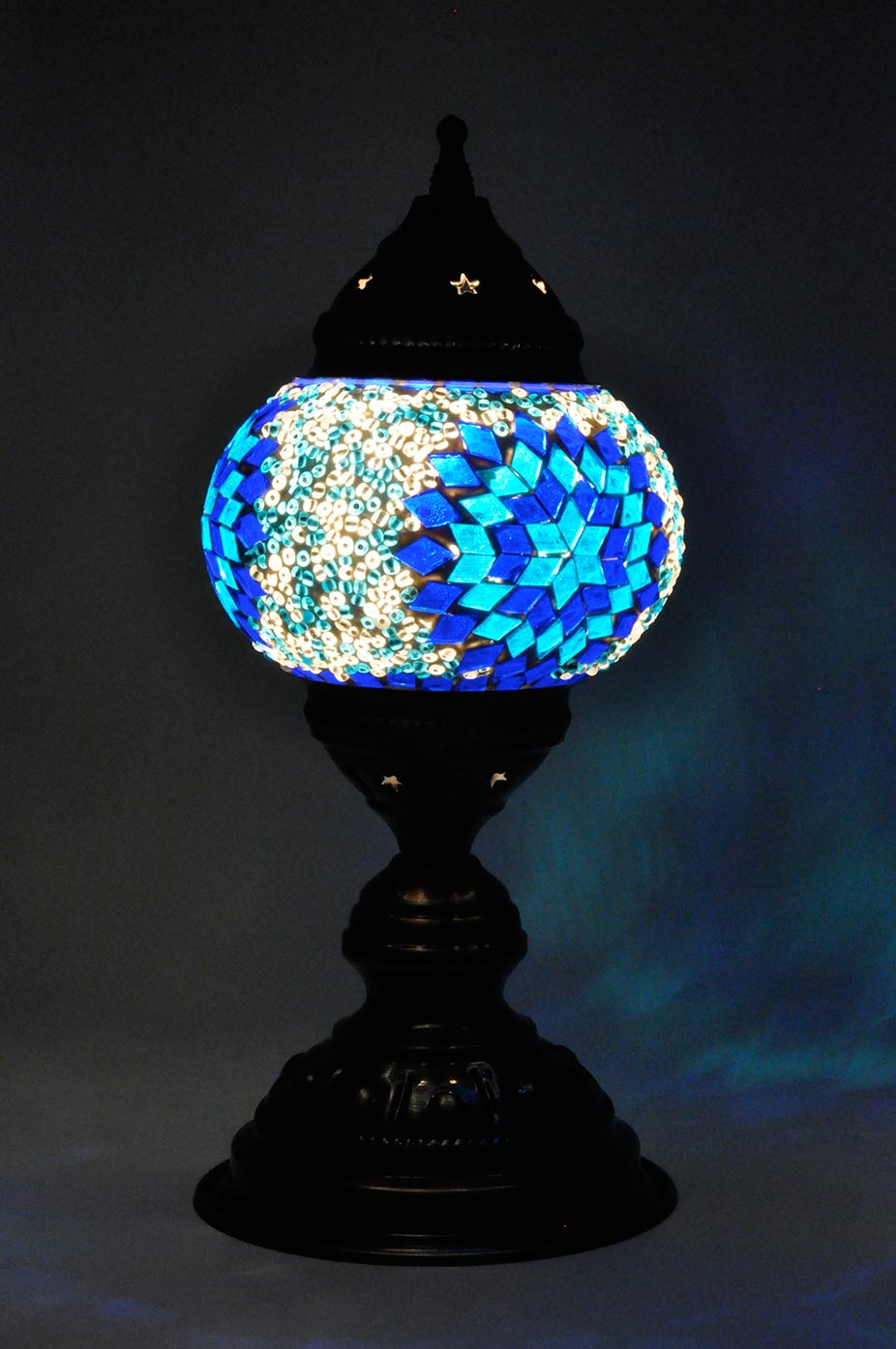 Lampe de table avec petit globe de mosaïque