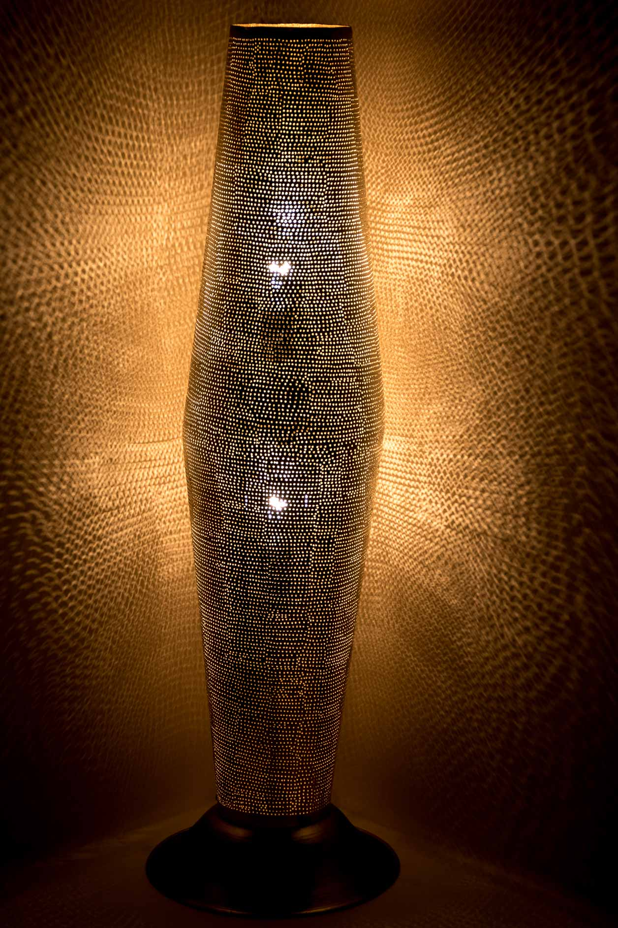 Moyen cylindre sur pied ajouré